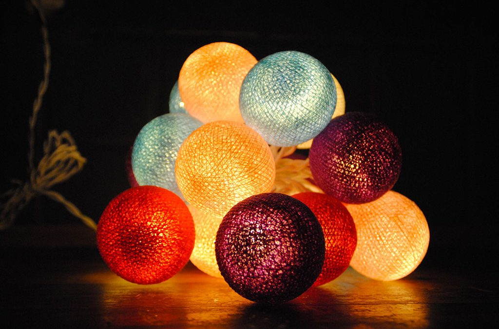 Guirlandes de boules lumineuses système électrique